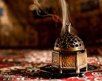 The Scented Verses: Encens (Incense) Layering Note