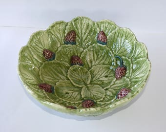 Vintage French Majolica Strawberry Dish - Ceramic Fruit Bowl – Barbotine Berry Strainer - Colander - Shabby Chic – French Country Decor