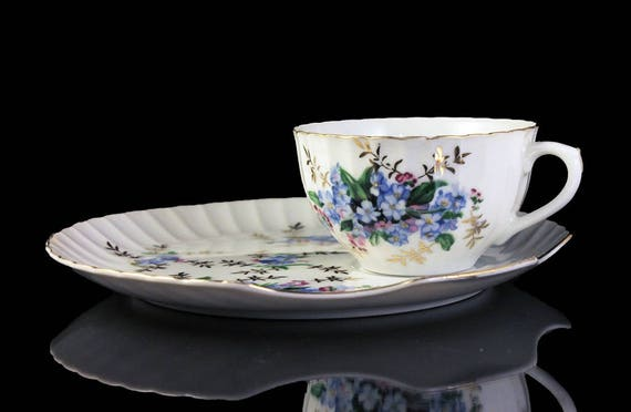 Snack Plate and Teacup, Snack Set, Blue Floral, Bone China, Shell-Shaped Plate, Luncheon Set, Gold Trim
