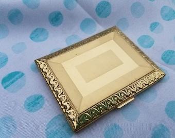 Vintage Richard Hudnut Gold Compact