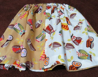 Girls skirt with adjustable waist.