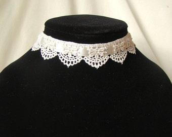 "Ivory Lace Fae Choker ""Persephone"" Mori Girl Choker Rococo Victorian Gothic Lolita Elf Wedding / Fantasy Lace Necklace Flower Pattern"