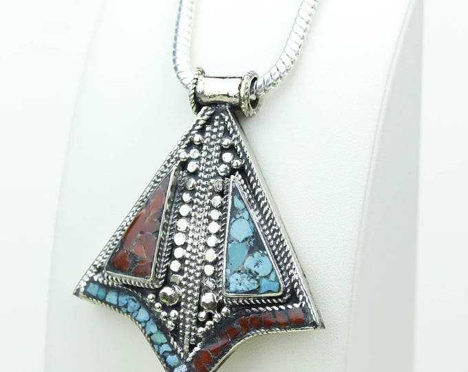 Nice Shape! Coral Turquoise Native Tribal Ethnic Vintage Nepal Tibetan Jewelry OXIDIZED Silver Pendant + Chain P3979
