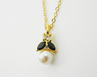 Pearl Crystal Pendant Necklace - NC2035