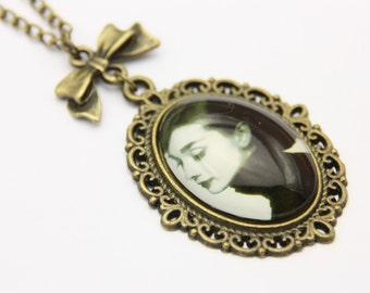Necklace Audrey Hepburnl 1825C