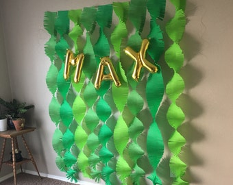 Green Variety Backdrop Streamers