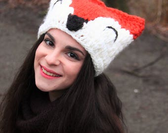Cute orange rusty red forest fox hat hood foxy with ears, kitsune kawaï forest animal cosplay crocheted handwoven for winter, weaving woven