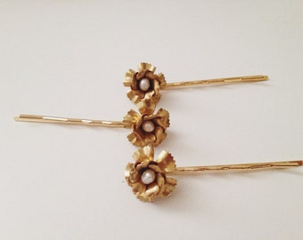 Les Coquettes tiny flower pins SET of 3, #1318