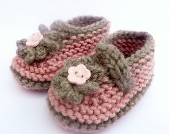 Knitting Pattern Baby Booties - Simple Seamless Cute Classic Baby Shoes (Sizes for 0 - 12 mths)