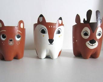 3 flower pots: forest animals