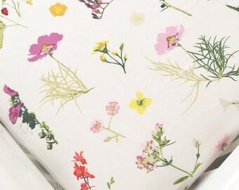 Wildflower Crib Sheet // Floral Crib Sheet // Flower Crib Sheet / Floral Nursery Bedding / Wildflower Nursery Bedding / Botanical Crib Sheet