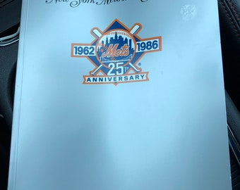 Vintage 1986 NY Mets Special 25th Anniversary Issue Yearbook