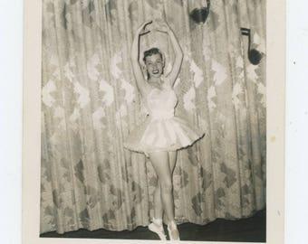 Vintage Snapshot Photo: Ballerina, 1940s-50s [81639]