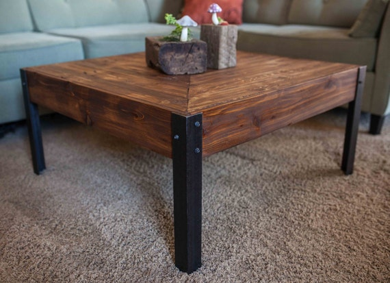 Pallet Wood and Metal Leg Coffee Table