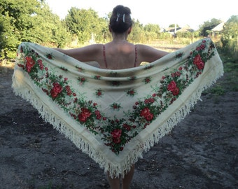 37 Great vintage Floral Russian shawls 70 years old, Russian woolen fringe scarf, ivory, beige, floral folk,  red flowers green leaves