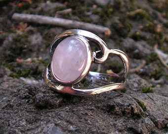 Sterling Silver Cabochon Ring With Natural Rose Quartz