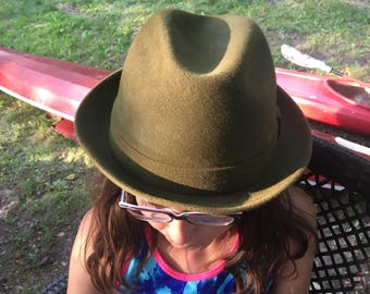 "Vintage Stetson ""the wellington"" fedora green hat size 71/4"