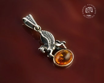 Pegasus amber silver pendant, horse pendant, amber pendant, Pegasus, vintage pendant, antique pendant, horse necklace, antique jewelry