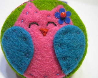 Felt Owls Pin