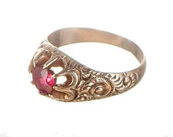 12k fancy Victorian Belcher setting ring with garnet