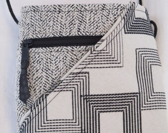 Black and white geo print crossbody bag