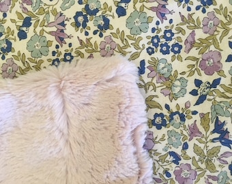 NEUE Liberty Stoffe! Baby Deckchen Schmusetuch Liberty Lavendel Faux Pelz blaue Rosen grün So weich!  Kindergarten-Kinderwagen-Dusche-Geschenk