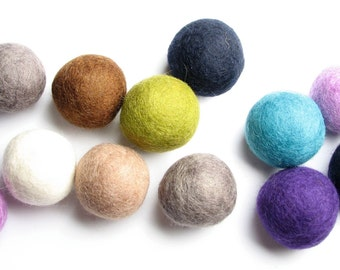 Four Leg Fun - Assorted 4CM Felt Balls