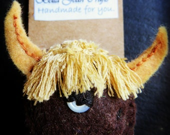 Felt, Brooch, Animals, Highland Cattle, Bull, Cow, Farm animals, Handmade gift, Badge, Pin