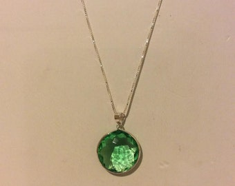 Sterling silver and faceted lime stone pendant necklace