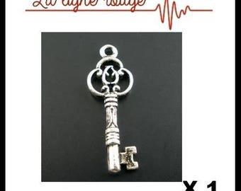 Silver charm pendant antiqued pattern key 2.9 cm