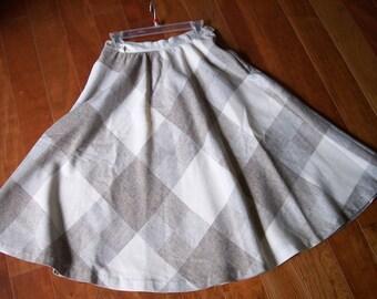 1970s womens plaid skirt