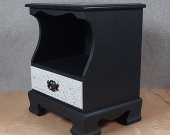 Black End/Accent Table