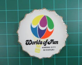Cedar Fair Parks Kansas City Worlds of Fun Vintage Souvenir Ceramic Plate Dish Hot Air Balloon