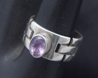 Vintage Amethyst Ring, Gemstone Ring, Vintage Silver Ring, February Birthstone Jewelry, Modernist Ring, Size 6.5