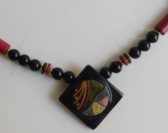 Vintage Japanese Black Lacquer Hand Painted Wood Beaded Necklace 17""