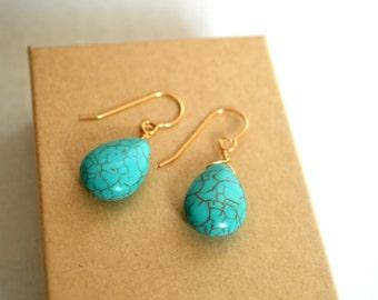 Turquoise stone earrings, turquoise pendant earrings, round turquoise earrings, hanging turquoise earrings, gold turquoise earrings