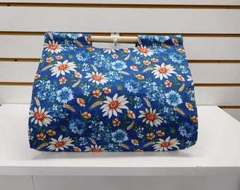 723 Daisies Dish Carrier; Casserole Carrier; Daisies Decor; Casserole Tote; Blue Food Tote; Casserole Cozy; Potluck Carrier; insulated