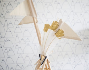 Feather Teepee Topper - Gold+Grey