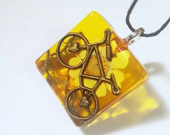 Bicycle Charm Real Moss Flower Necklace Pendant Nature Resin Charm Bohemian Jewelry Amber Yellow