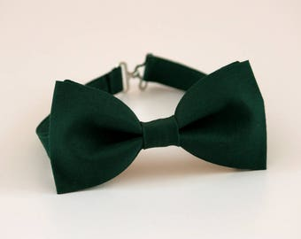 Hunter green bow tie, mens bow tie, wedding bow tie, groom bow tie, groomsmen bow tie, ringboy bow tie, ring bearer bow tie, green bow tie