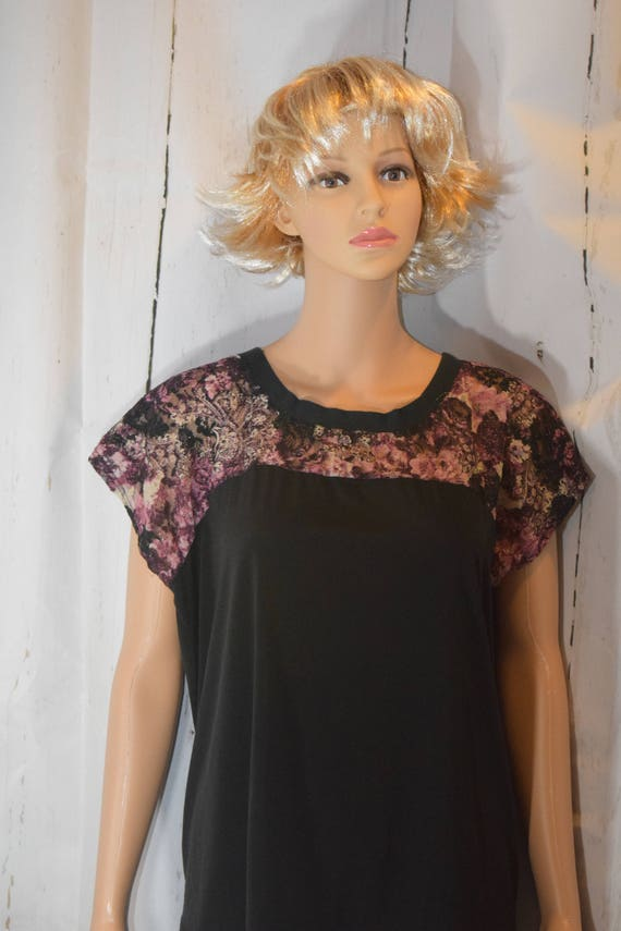 Curved Bodice Capped Sleeve Top