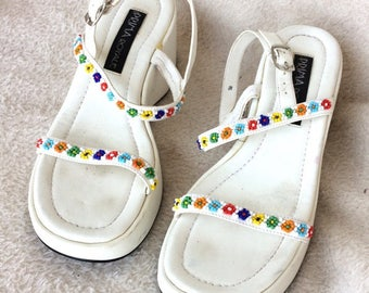 Ladies shoes white sandals with wedge soles and heels multicolor beading size 5M