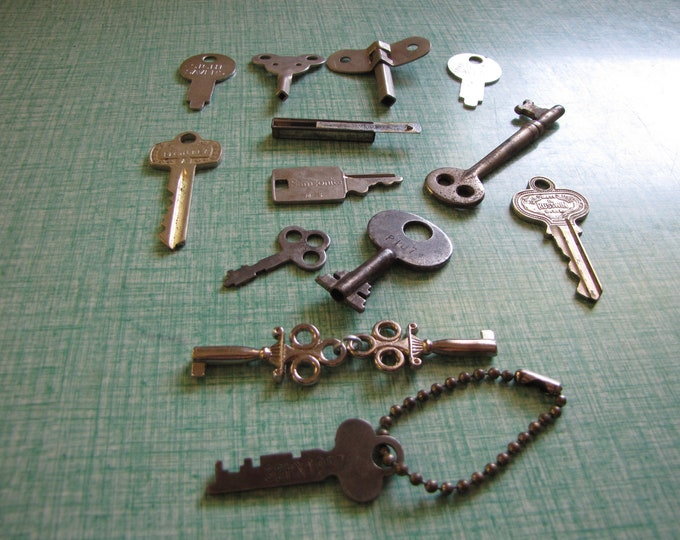 Vintage and Antique Keys Lot Odds and Ends Key Types Craft or Steampunk Supplies