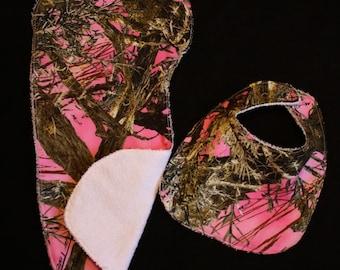 Pink Camo Camouflage Baby Girl Bib, Burp Cloth Gift Set