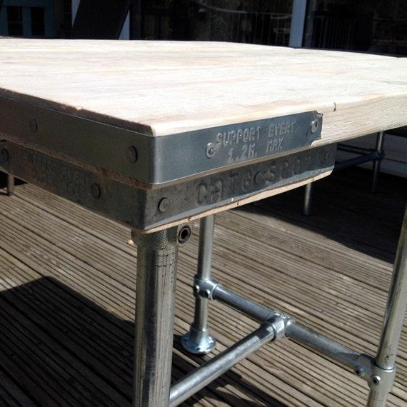 Estilo industrial andamio Board / tabla de tubería. Hogar o al