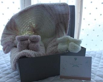 Very soft wool newborn gift set.
