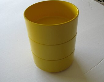 """Vintage 70's  Mid Century  Heller - Massimo Vignelli - Yellow Melamine  Stacking Bowls - Made in Italy - 5"""" Diameter"""