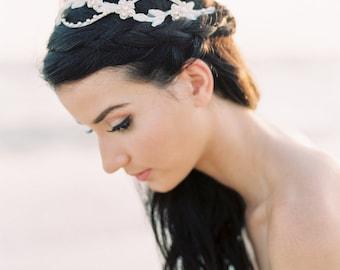 Accessoire de cheveux mariée. Morceau de cheveux mariée. Bridal Boho Halo {Millie}