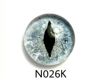 "N026K Glass Eye Cabochon, handpainted clear domed fused glass, great cat eyes, silver blue, pearl (""Snow Kitty""), lightfast. single eye"
