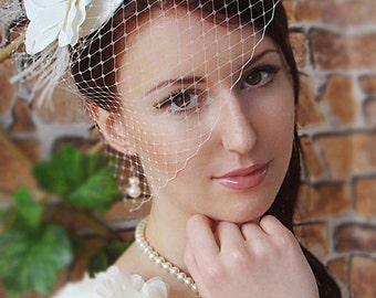 Bridal Mini Hat Wedding Hairstyles Bridal hair Wedding birdcage veil Bridal Headpiece Hair updos Ivory fascinator Bridal Hairstyles